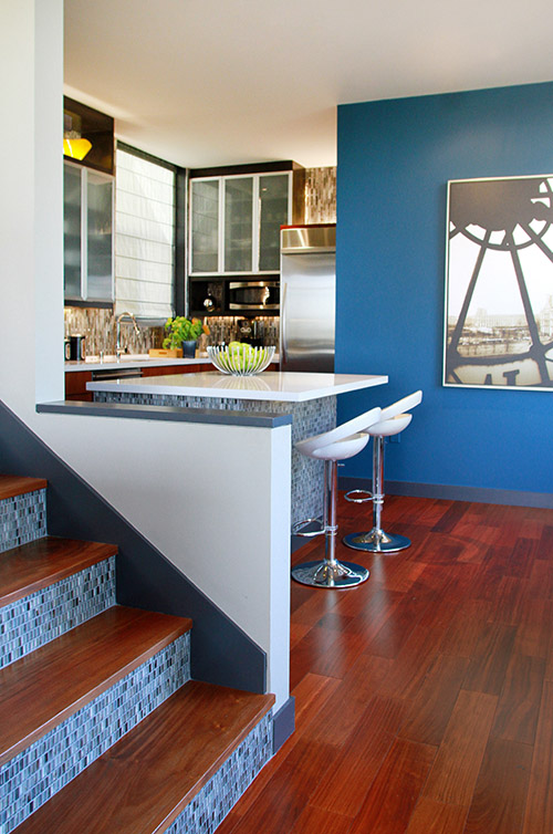 Tozen Glass Tile Stairs and Kitchen Island in Vanadium Natural
