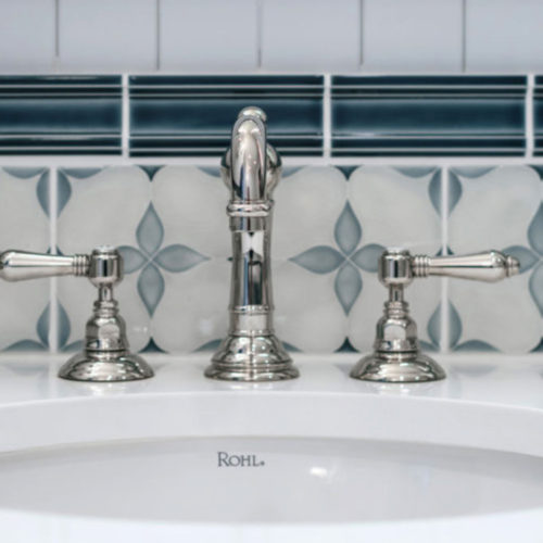 colofill motif bathroom